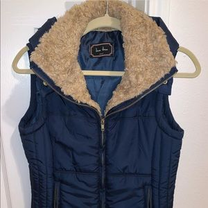 Love Tree Puffer Vest Size Small Never Been Worn!